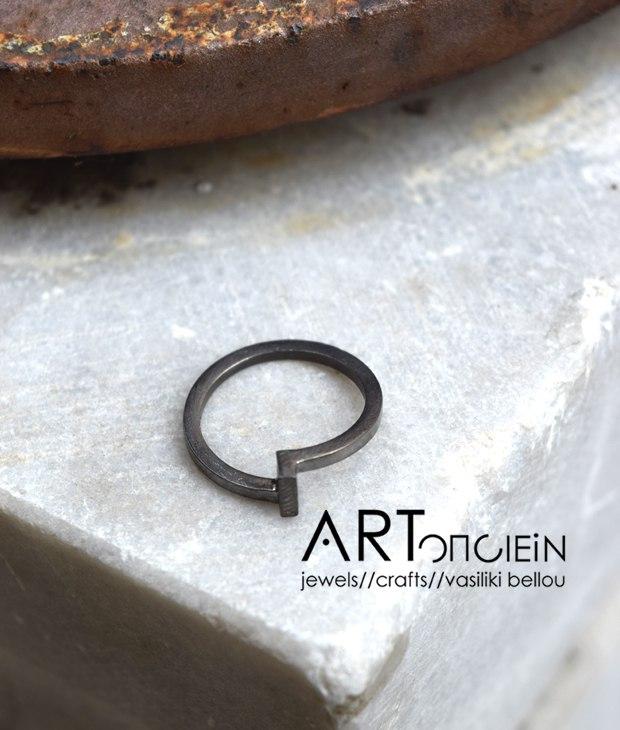 Potnia rings black Artonomous